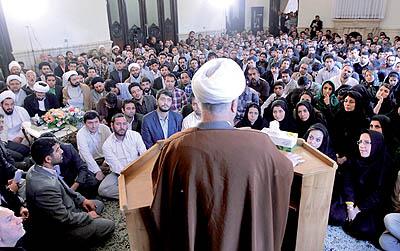 حضور هاشمی رفسنجانی در انتخابات 92 ؟ «نمیگویم نمیآیم»  ( دنیای اقتصاد - خسرو یعقوبی )